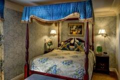 victoria-bedroom-02-1236x617